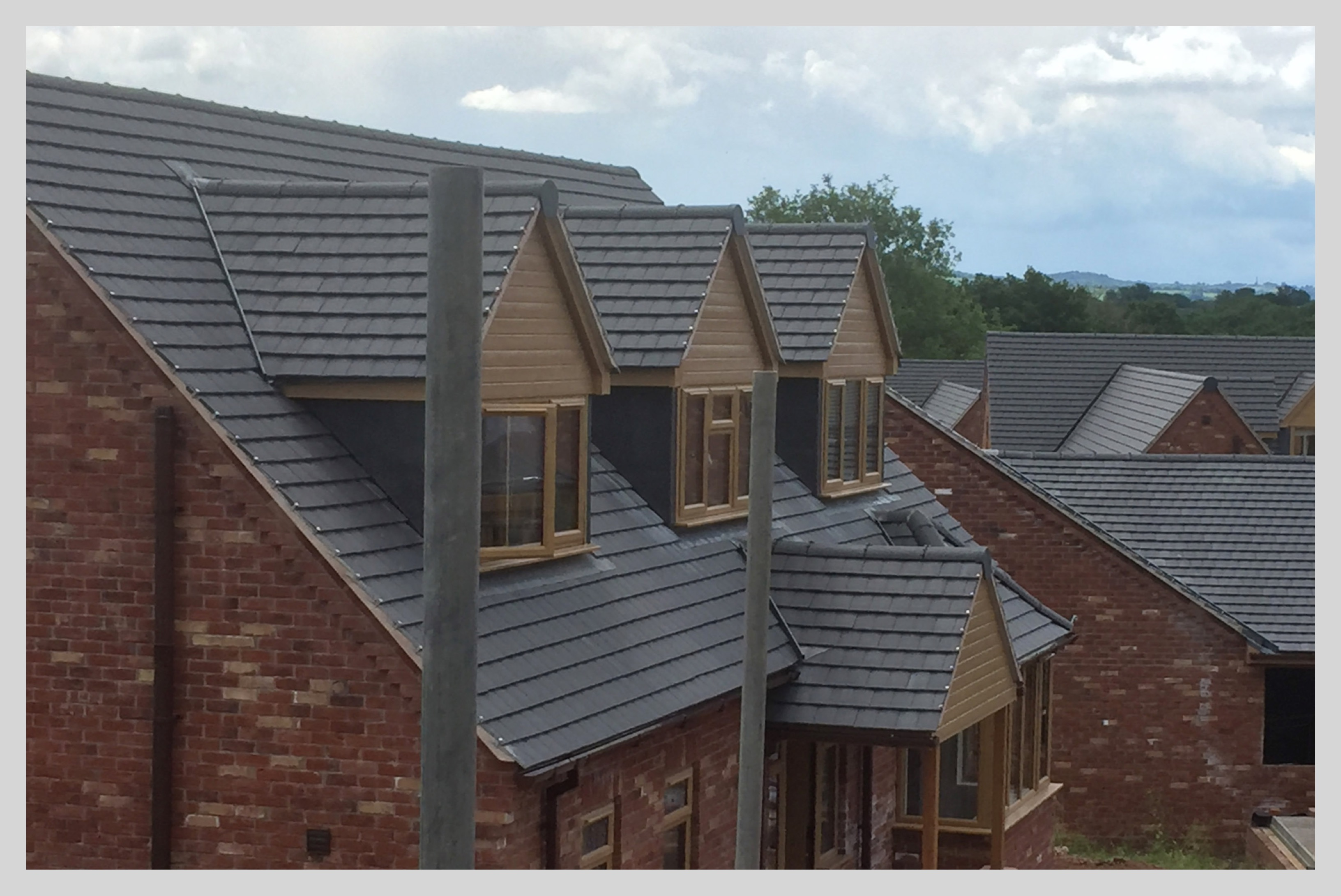 Completed new build housing estate in Shropshire with all roofs tiled by Wyvern Roofing & Tiling | Wyvern Roofing memphite.com